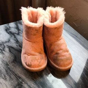 Girls ugh boots and sheepskin care kit